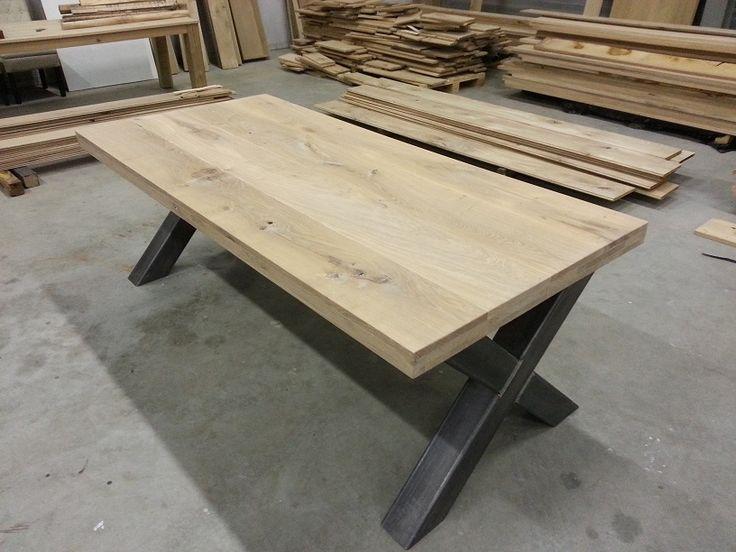 Eiken tafels: staal 1