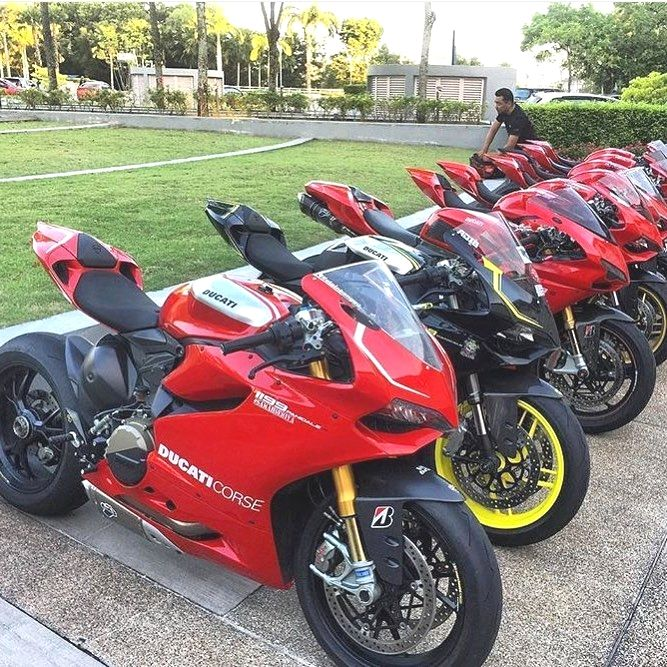 Crazy Ducati line up!@keyrol60#MotorcycleLife  Repost by @motorcyclelife