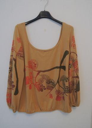 A vendre sur #vintedfrance ! http://www.vinted.fr/mode-femmes/blouses-and-chemises/19319338-haut-de-createur-peint-main