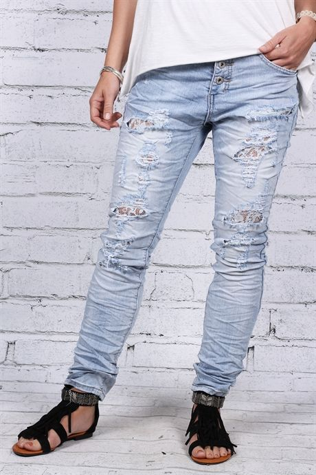 """Häftiga jeans med """"hålslitningar""""!"""