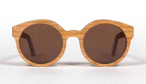 Capital y sus gafas de madera · Tendencias.tv