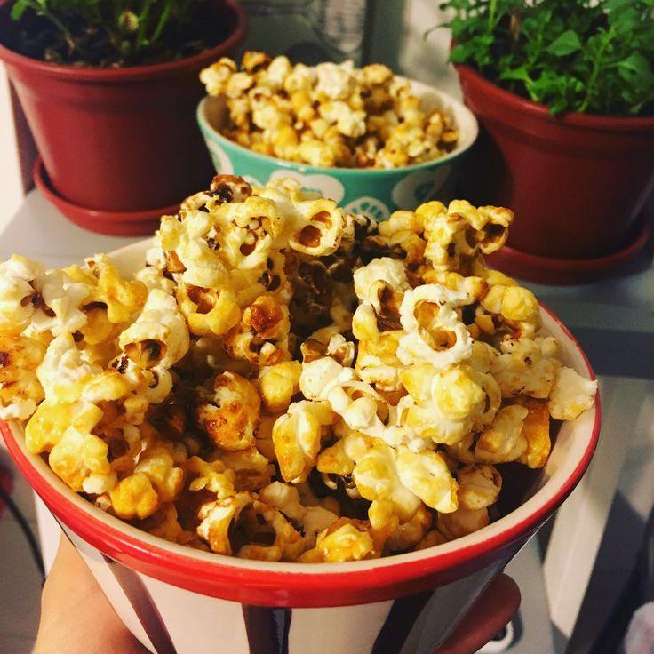 #popcorn caseras #sugarfree con @tagatosa.chile y #glutenfree Ingredientes: 150 gramos de maíz curagua, 2,5 cucharadas de aceite maravilla, 2 cucharadas de tagatosa.  Preparación: agregar a olla las 2,5 cdas. de aceite y 2 cdas. de tagatosa y revolver hasta disolver. Luego agregar los 150 gramos de maíz, mezclar y tapar. Llevar a fuego medio y mover la olla de vez en cuando. Una vez que termine el ruido están listas. #enjoy