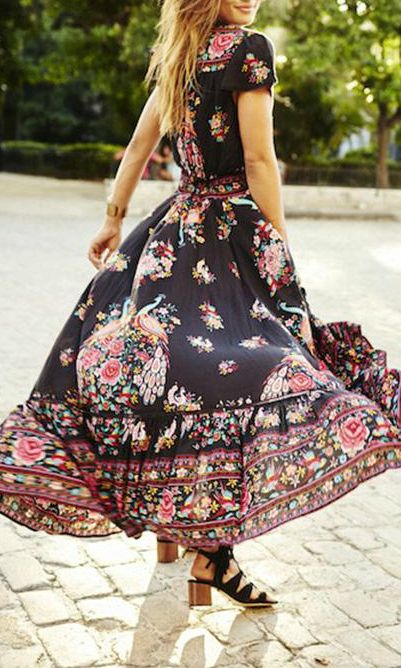 This floral maxi dress is so incredible. Love the hobo vibe so much
