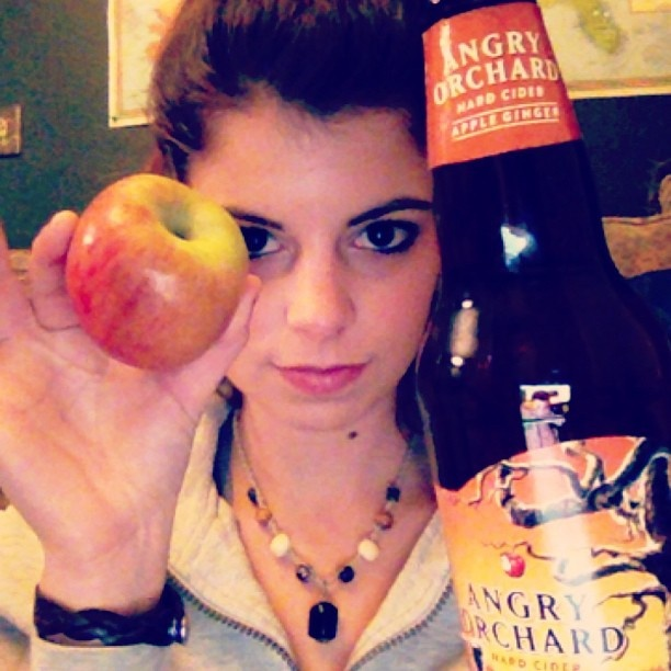 The best low calorie, healthy choice, and gluten free beer option. Angry Orchard Apple Ginger hard cider review.