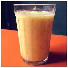 Serve pra quem sofre com intestino presso,anote a receita  Ingredientes:  4 ameixas-pretas sem caroço 1 colher (sopa) de farelo de aveia ½ mamão papaia 200 ml de laranja 100ml de água