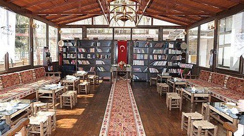 Değişen Şehir, Değişen Sosyalleşme ve Kıraathaneler - http://www.turkyorum.com/degisen-sehir-degisen-sosyallesme-ve-kiraathaneler/
