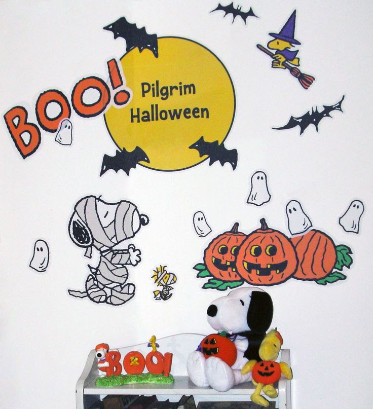 Give your home a Halloween makeover with quick and easy Name Bubbles Wall Decals featuring Snoopy, Woodstock and the Peanuts Gang! Read the review on CollectPeanuts.com.