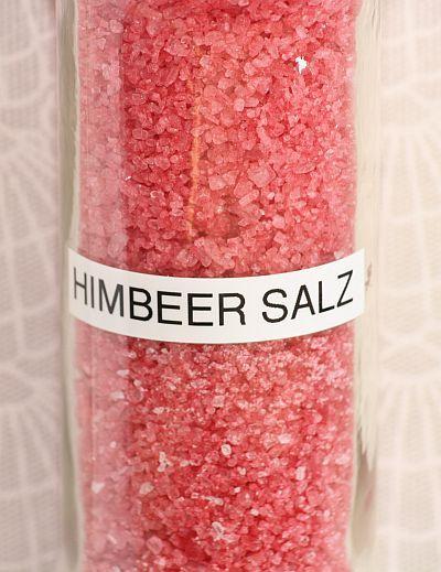 Guten Morgen   ich habe Himbeersalz selbst gemacht und es  ist kinderleicht.  Sieht das Salz nicht klasse aus...    Man benötigt Himbeeren, ...