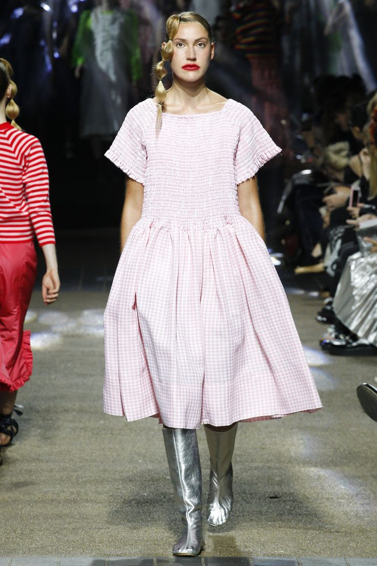 No one blinked at the marc jacobs fashion show when a model wore a - Molly Goddard Spring 2017 Ready To Wear Collection Photos Vogue