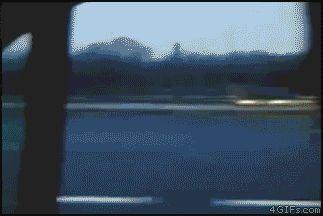 il ne s'arrête pas ! est une image drôle publiée le 7 Décembre 2013 par CARTAPUCE. Un gif animé drole