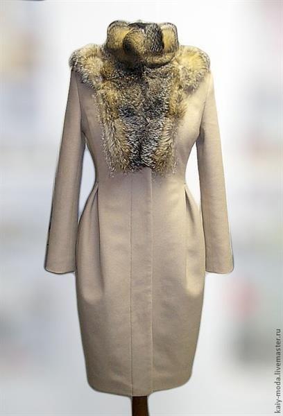 Каталоги женских зимних пальто с меховой оторочкой