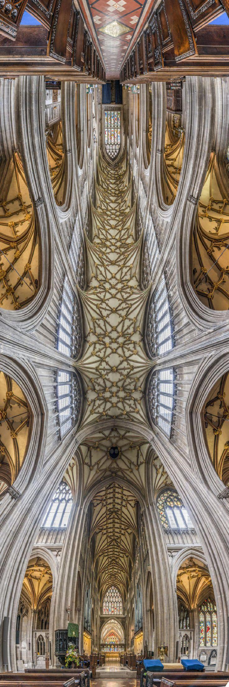 Церковь Сент-Мэри-Редклифф, Бристоль, Англия