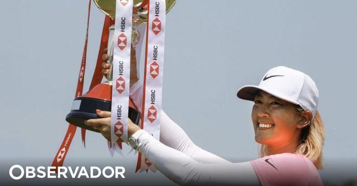 A golfista norte-americana Michelle Wie, que não ganhava um torneio do circuito profissional feminino (LPGA) desde o triunfo no US Open de 2014, conquistou hoje o Mundial feminino. http://observador.pt/2018/03/04/golfista-michelle-wie-conquista-mundial-feminino-hsbc-em-singapura/
