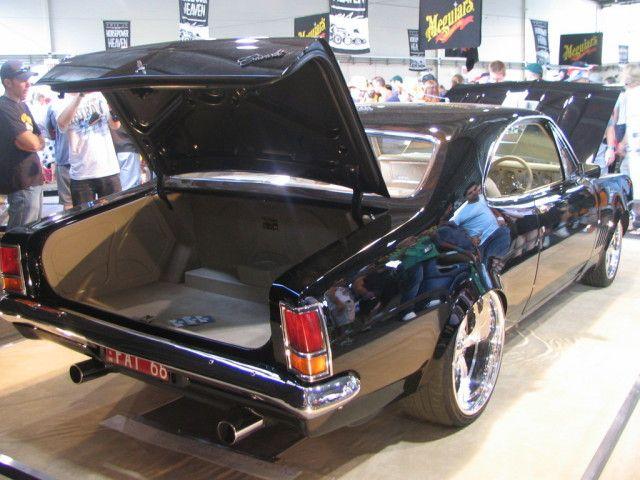 ('67 Holden HK Monaro)