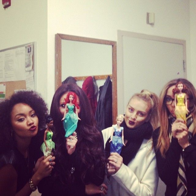 Some adorbs Mixer gave the girls Disney Princess dolls that matched them!!! Awww xx ♥♥♥