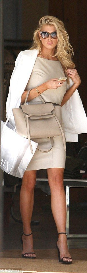 I love this look. Perfect for a day at work on a shopping trip into town. I would style this with a KeriKit Keri Jane baby changing bag and handbag.