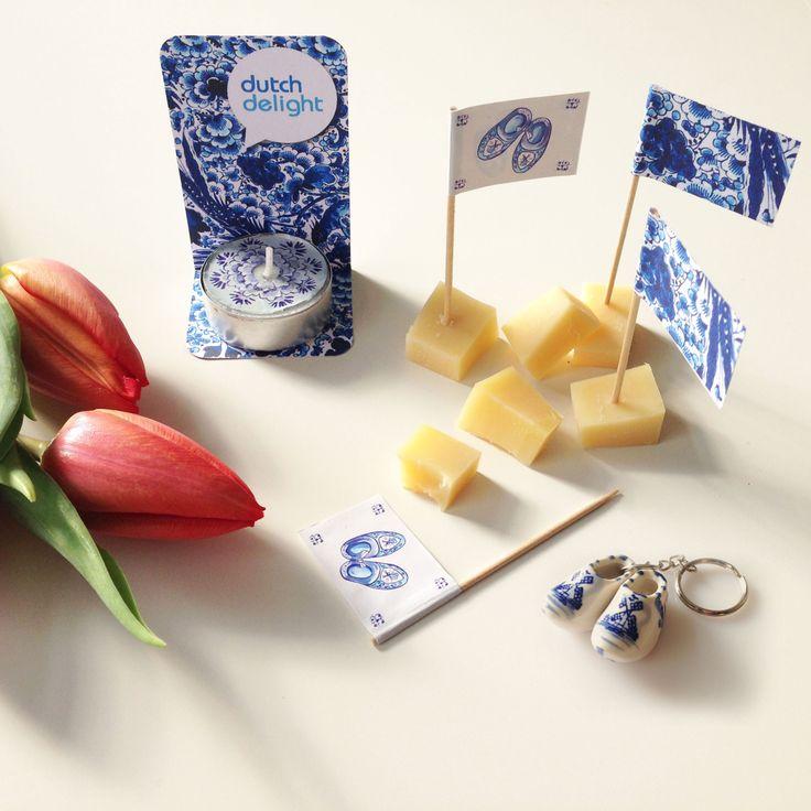 Dutch Delight is mijn naam en ik ben oer-Hollands en vol vrolijke nostalgie. Ik zeg altijd maar zo: Tulpen verwelken, kaas gaat er aan, om te schaatsen moet t vriezen, maar Delfts blauw blijft altijd bestaan.