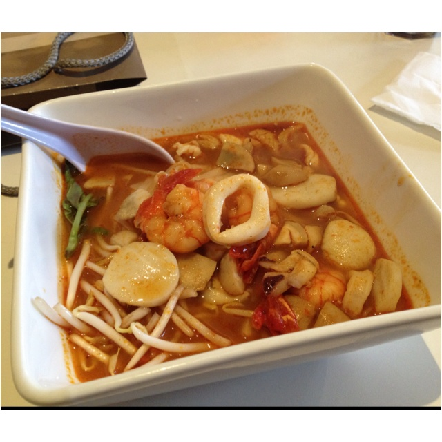 Tom Yam Noodle
