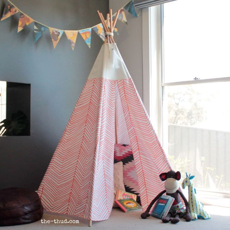 DIY kids teepee instructions - sew and no sew variations. Super easy and cheap to make!