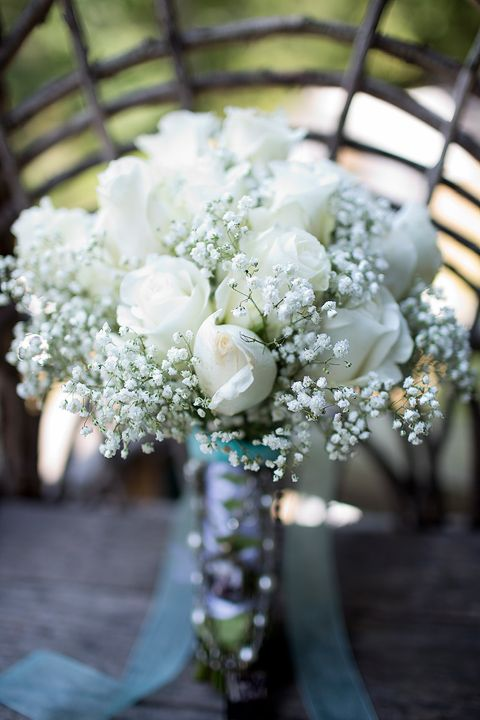 Gorgeous white roses bouquet