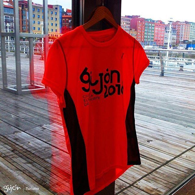 ¿Ya se acabó 2016? NOOOO  Entonces, ¿aún somos Ciudad Europea del Deporte? SÍÍÍÍ  Pues venga: ¡todo el mundo a sudar la camiseta! ⚽️ 🏀 🏈 ⚾️ 🎾 🏐 🏉 🎱 ⛳️ 🏌 🏓 🏸 🏒 🏑 🏏 🎿 ⛷ 🏂 ⛸ 🏹 🎣 🚣 🏊 🏄 ⛹ 🏋 🚴 🚵 🏇  #CiudadEuropeaDelDeporte2016 #Deporte #Sport #Camiseta #Shirt #Running #Primavera #Spring #Gijón #Xixón #Asturias #Asturies #AsturiasConSal #NorthernSpainWithZest #Turismo #Tourism Eliminar comentario