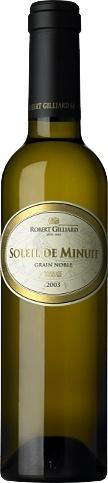 Soleil de Minuit   L'Or du Rhône. Voici le grand vin blanc liquoreux de Gilliard. Ermitage et Malvoisie, surmaturés sur souches et élevés en barriques pendant 12 mois, composent ici une véritable symphonie de velours. Un vin qui éveille les sens, pour se déguster après minuit en tête-à-tête dans une chaude ambiance. Les raisins ont été vendangés à minuit, une nuit claire de décembre. Ce vin bénéficie du label «Grain Noble ConfidenCiel».  http://www.gilliard.ch