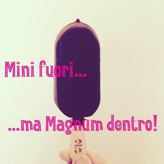 Merenda-time! Ok...non dovrei ma...!!  #merenda #magnum #MagnumBlack #solocosebuone #gelato #icecream #mini #magnumclassic #merendaitaliana @magnum #voglieimprovvise #vogliesoddisfatte #voglie #pregnancy #cioccolato #cioccolatofondente #cioccolatoovunque #instagelato #instamerenda #mannaggiaame #mangiarecongusto