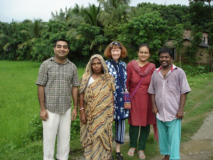 Fulia - handweaving village 4 hours outside Calcutta - with Bappa and Rumi. Sally Campbell textiles