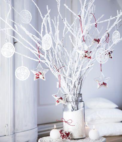 Oltre 25 idee originali per finestre natalizie su - Rami secchi per decorazioni ...