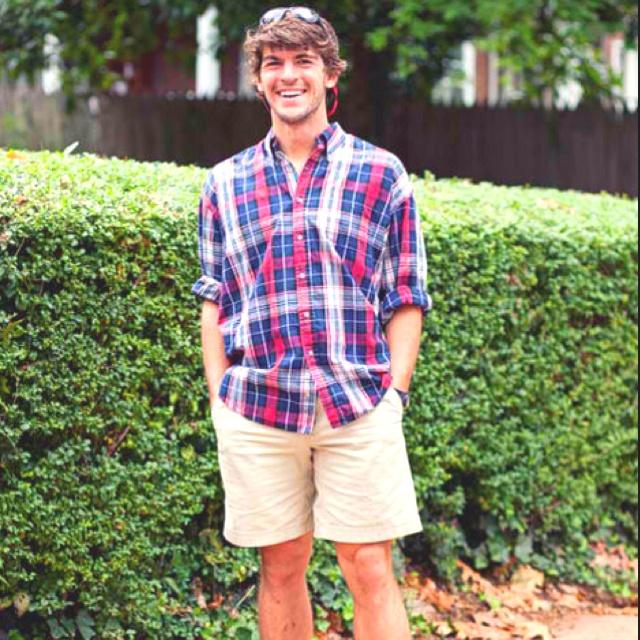 Brady Pearson, Fletch's best friend.