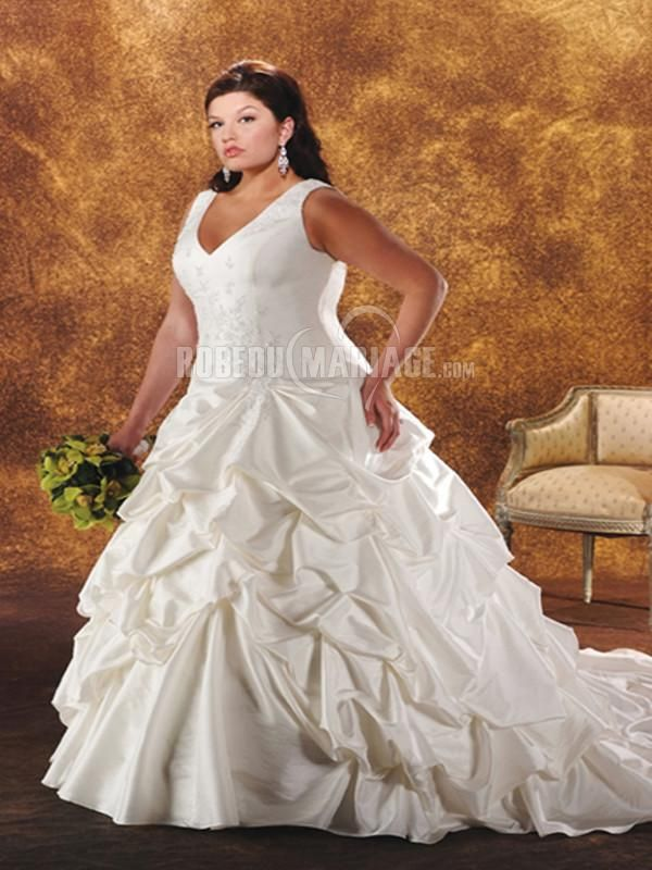 Robe de mariée grande taille col en V pas cher en satin avec broderies [#ROBE2011244] - robedumariage.info