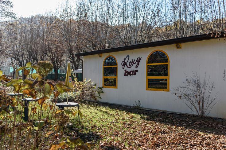 e poi ci troveremo al Roxy bar - stavo esplorando la città di Boves quando mi sono trovato di fronte questo locale... quanti ricordi in quella canzone!