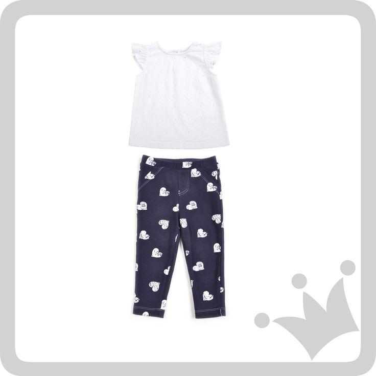 Para las bebés los leggings son una excelente y cómoda opción. Este es nuestro recomendado del día para ellas, un diseño con estampado de corazones que seguro les encantara.
