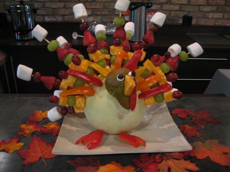 Fruit kabob turkey! I had seen a mother do this for preschool snack...super cute!