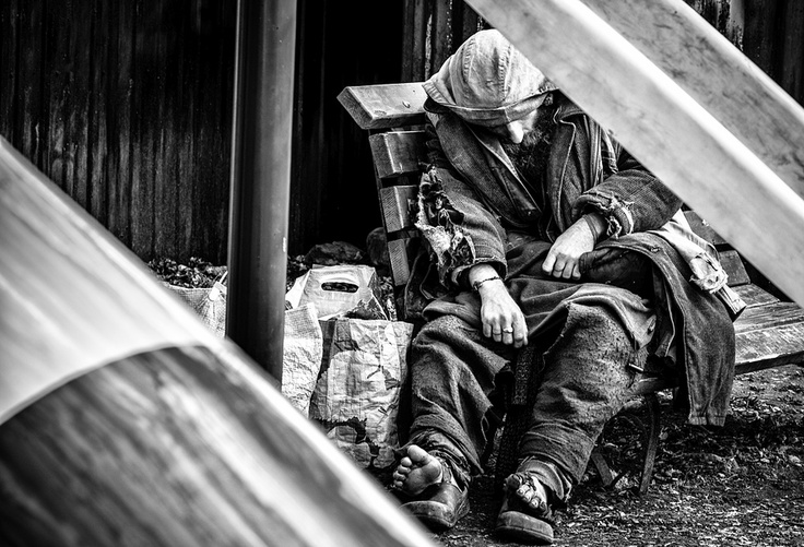 the issues of the homelessness in the country of canada Sheltering canada's homeless how is it that in a country as wealthy as ours but ill-informed alberta is a terrible example to illustrate progress on the issue of homelessness.