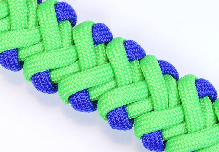 """Visit http://www.BoredParacord.com for a huge selection of paracord, buckles, tools, how-to videos and more! The original """"Double V"""" design was created by Ro..."""