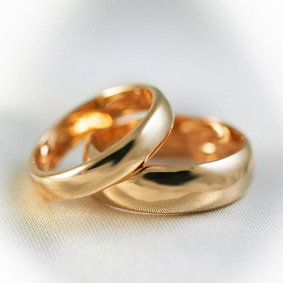 So simple and perfect. 14K Solid rose gold simple wedding bands 4mm and by HappyLaulea, $475.00
