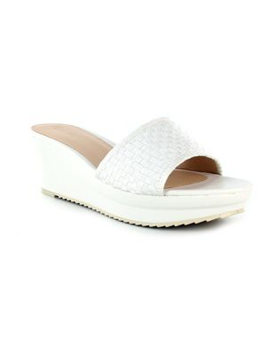 Buy wedges online from wide range of collections from Nine West at Majorbrands.in. For more details visit here: http://www.majorbrands.in/brand/cl_2-c_1511/women/footwear/wedges.html or call on 1800-102-2285 or email us at estore@majorbrands.in.