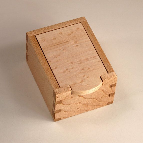 Birdseye Maple and Clear Maple Keepsake Box by JMCraftworks. A small #Keepsake #Box that can organize the desktop.