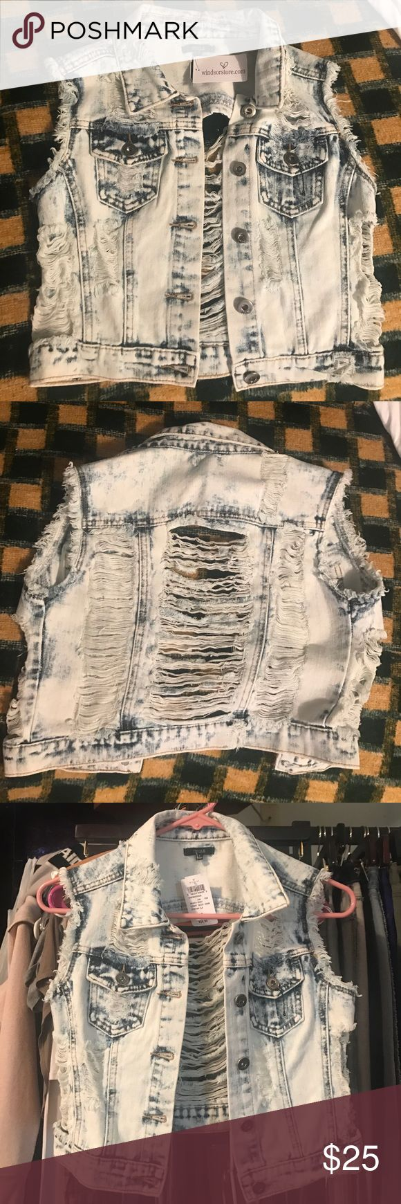 Windsors light acid wash jean jacket no sleeves NWT - windsors - size small - light acid wash and ripped jean jacket WINDSOR Jackets & Coats Jean Jackets