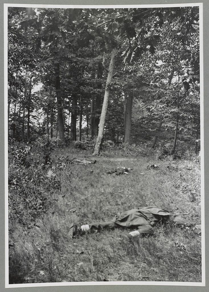 Soldiers killed during the First Battle of Bull Run, possibly the earliest surviving Civil War photograph to document the dead after a battle, July 1861.: