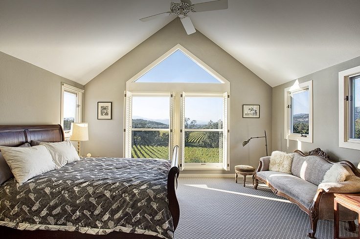 Tres Arroyos, Napa - Wake up to this view on Napa's rural east side, where vineyards meet rocky hills. One of many VRBO properties throughout the area