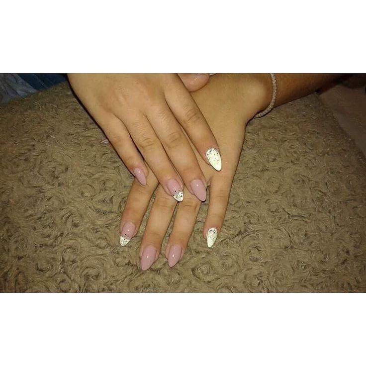 Αποκτήστε εντυπωσιακά σχέδια και χρώματα στα νύχια! Για ραντεβού ομορφιάς στο σπίτι σας τηλεφωνήστε  215 505 0707 . . . #myhomebeaute #μανικιουρ #σχεδιασμούνύχια #μανικιούρ #γυναικα #γυναικα #athomebeauty #ομορφιά #νυχια #νύχια #μανικιούρ #καλοκαιρι #καλοκαίρι #greeknails