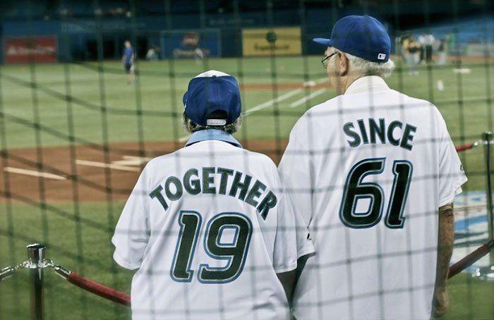 Simpaticas camisetas para llevar en pareja 4