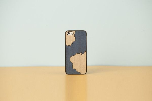 """Wood'd iPhone cover """"Inlays"""" - stain blue -"""
