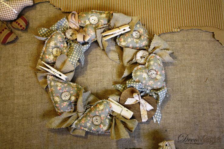 A heart celebration of spring with hearts made of fabric.  Μαγιάτικο στεφάνια με υφασμάτινες καρδιές!