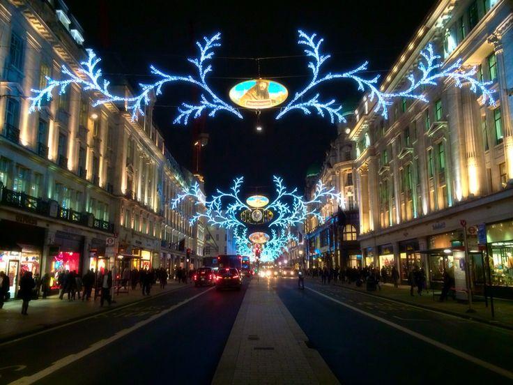 Regent Street in front of Apple Store