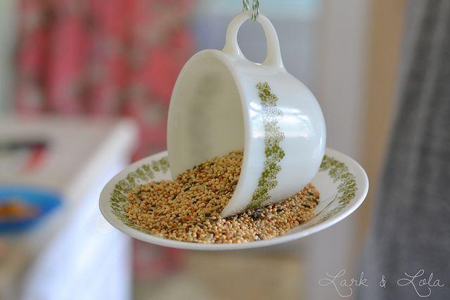 A Pyrex bird feeder!
