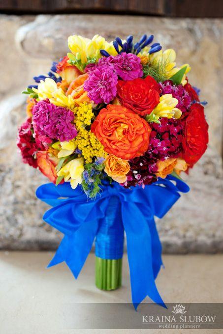 bride's bouquet, sunny & spanish style wedding theme