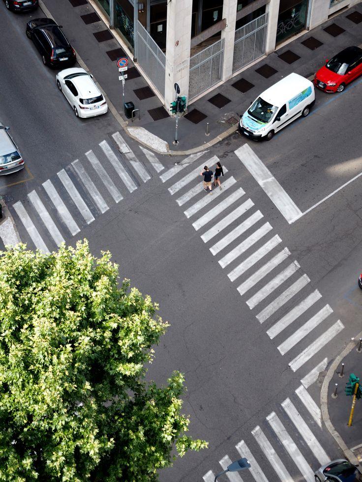 Street view in Milan   Pupulandia